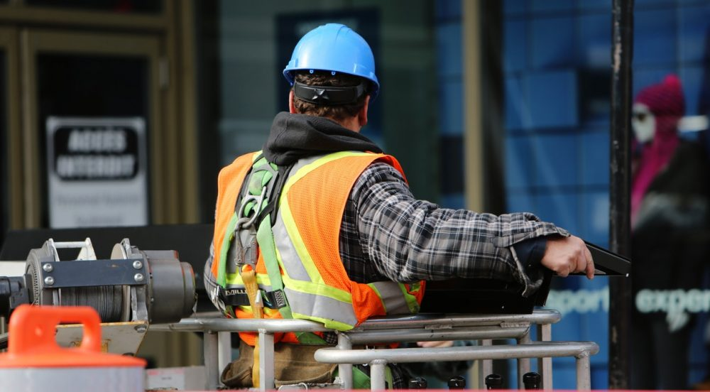 ppe-in-the-workplace-blog-construction-worker